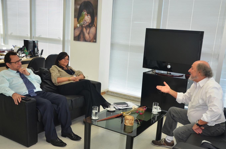 Sydney Possuelo em reunião com o presidente da Funai, João Pedro Gonçalves, antes do episódio com os Matís.  (Foto: Ascom Funai)