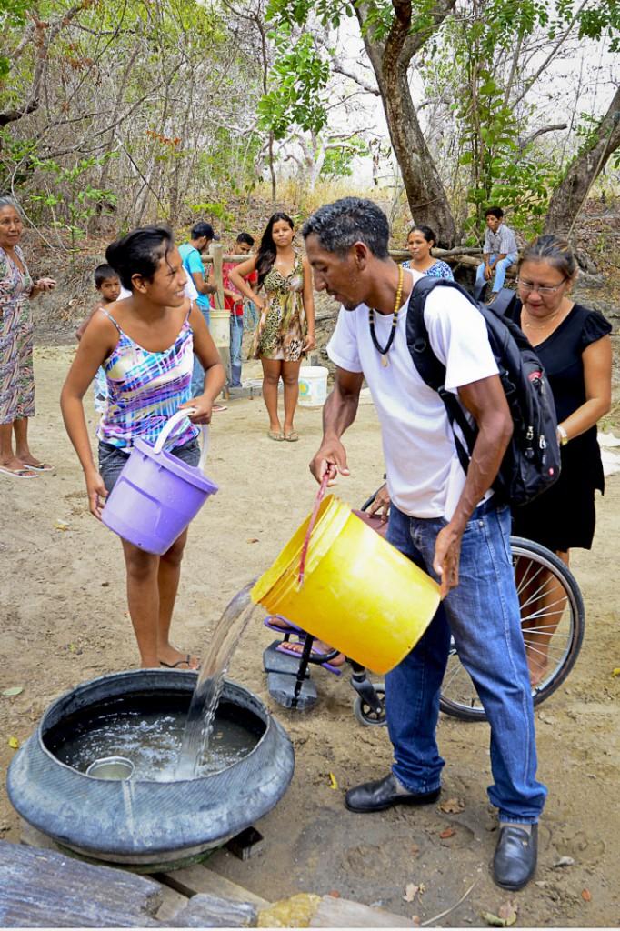 O tuxaua Arão Almeida da Conceição é o líder da comunidade (Foto: Jorge Macêdo/Amazônia Real)