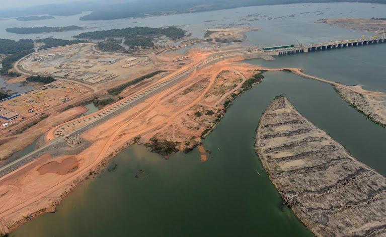 Obra de Belo Monte no rio Xingu (Foto: Regina Santos/Norte de Energia)