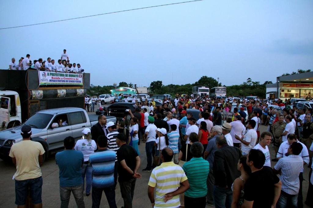 População de Humaitá, no Amazonas, em manifestação a favor da BR 319. (Foto: ALE/RO)
