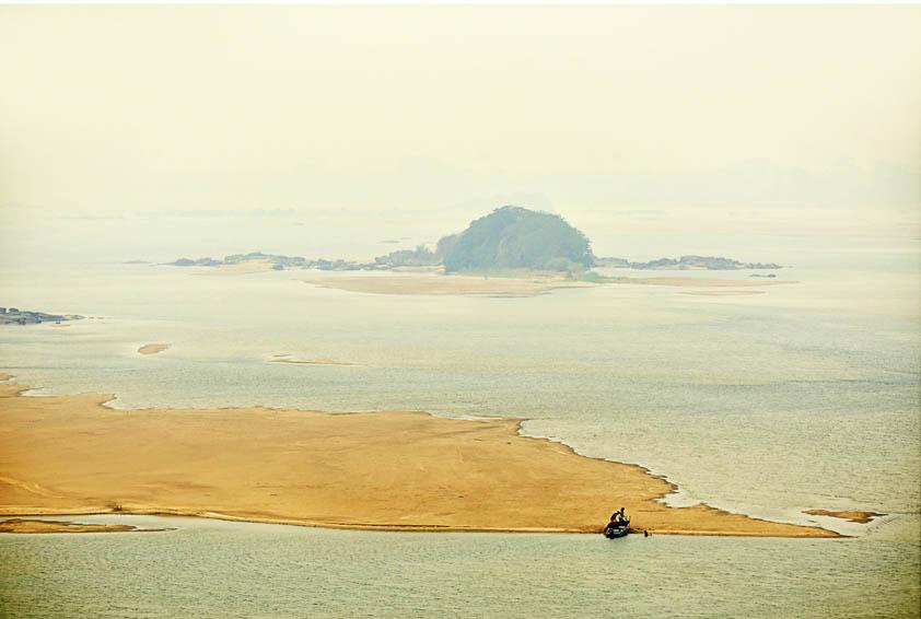 O nível do rio Branco é considerado abaixo do normal pelo CPRM (Foto: Jorge Macêdo/AmReal)