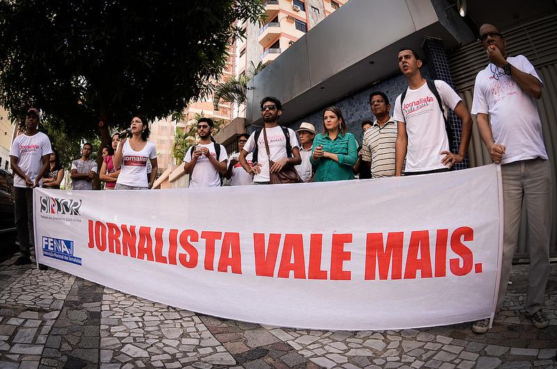Os jornalistas durante a greve de 2013, em Belém. (Foto: Sindjor-PA)