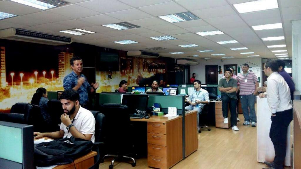 Jornalista em reunião sobre salários com o Sindicato na redação do Em Tempo (Foto: Sindjor-Am)