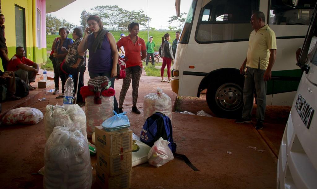 As mulheres migram para ajudar a família (Foto: Alberto César Araújo/Amazônia Real)
