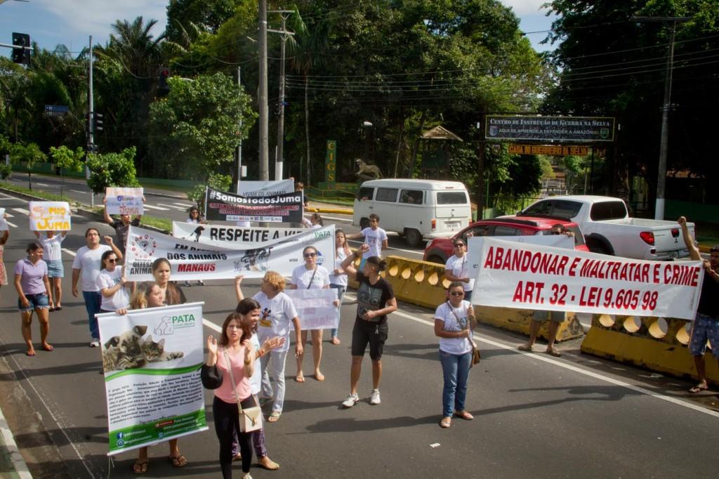 Manifestantes pediram a punição do Exército pela morte de Juma (Foto: Alberto César Araújo/Amazônia Real)