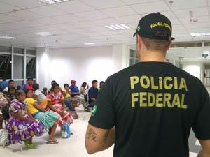 Índios Warao recolhidos pela Polícia Federal em 2015 (Foto: DPF/RR)