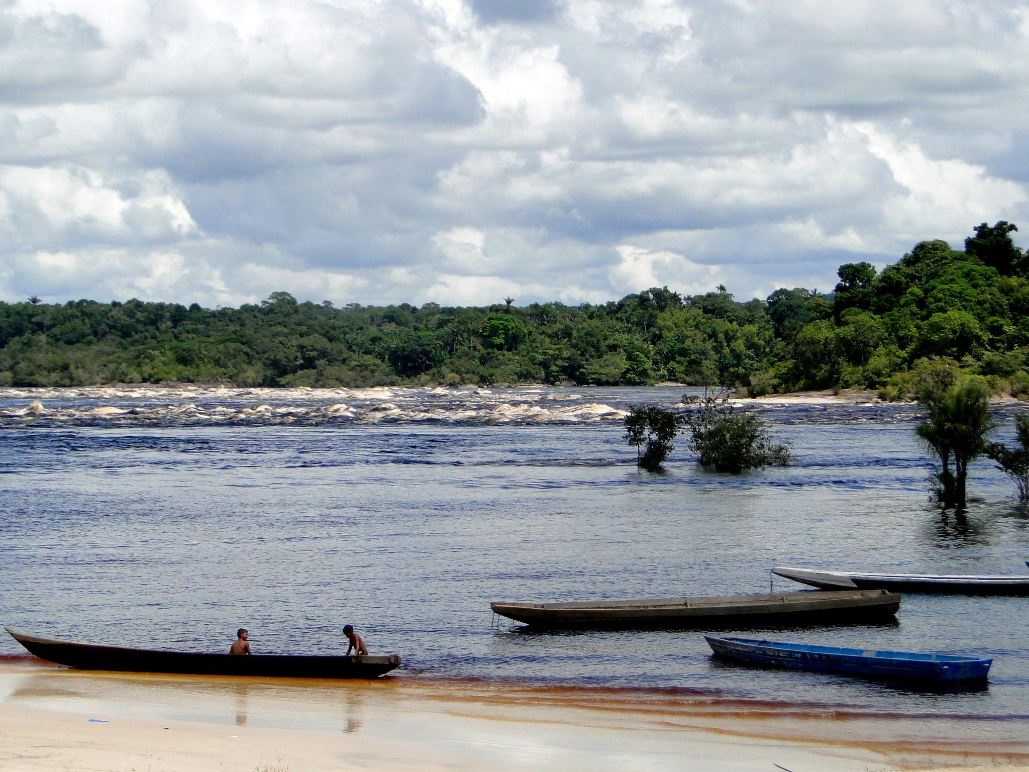 Justiça do Amazonas retoma a audiência do caso de estupros de meninas indígenas de São Gabriel da Cachoeira