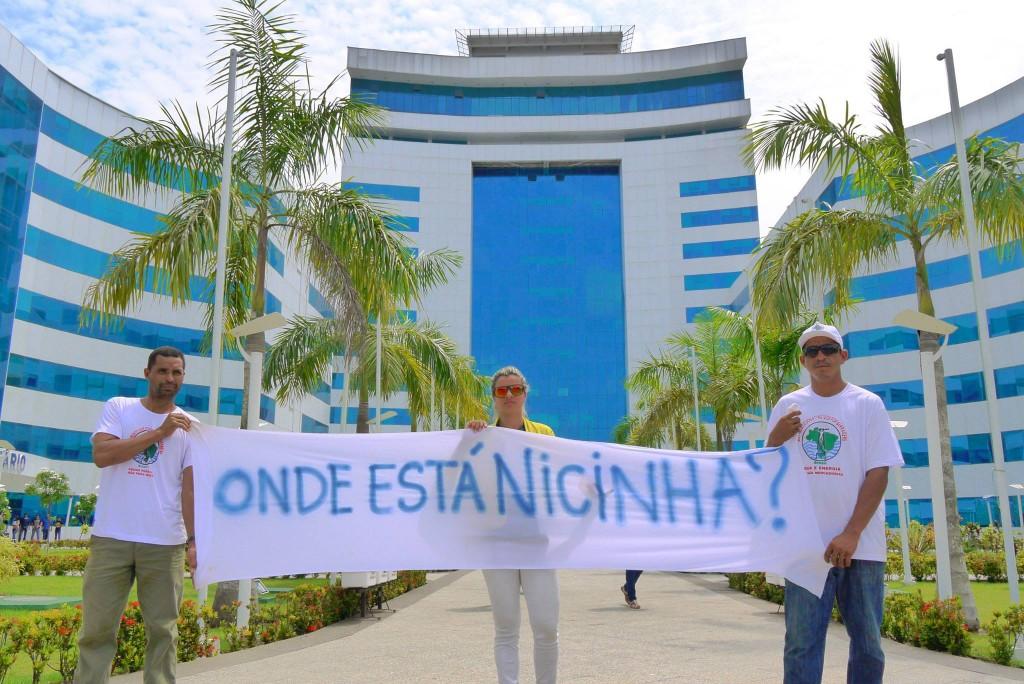 Manifestação cobrando Justiça pela morte da defensora (Foto: MAB)