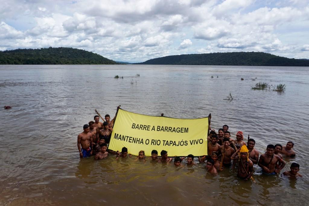 Terras indígenas estão ameaçadas, incluindo a dos índios Munduruku (Foto: Rogério Assis/Greenpeace)