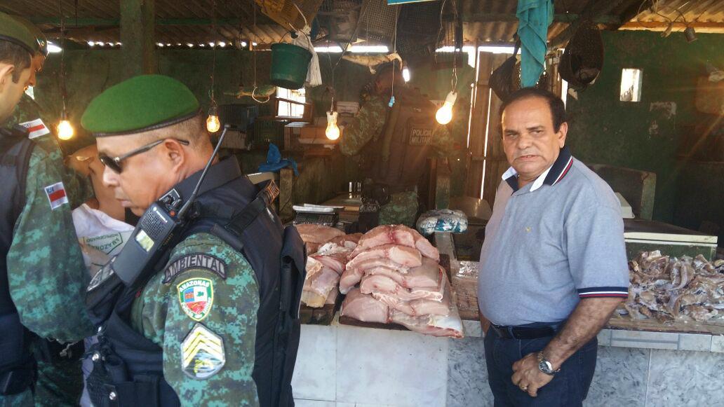 Deputado Orlando Cidade (PTN) diz que o peixe veio da fazenda da Cooperpeixe, que ele idealizou (Foto: Amazônia Real)