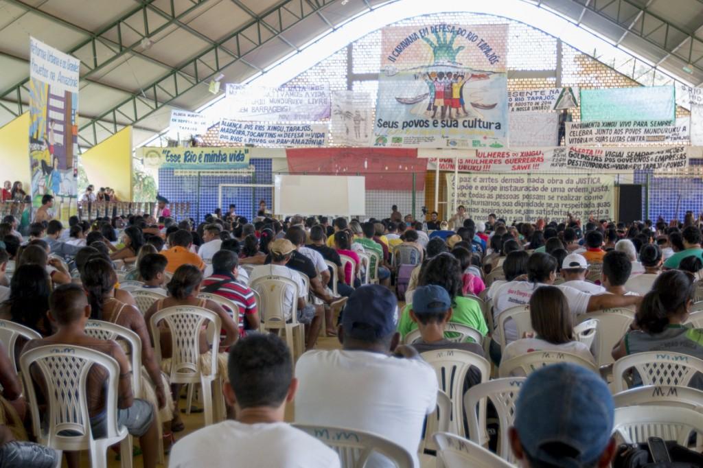 Auditório de reuniões da Caravana em Defesa do Rio Tapajós (Foto: Ana Mendes/Amazônia Real).