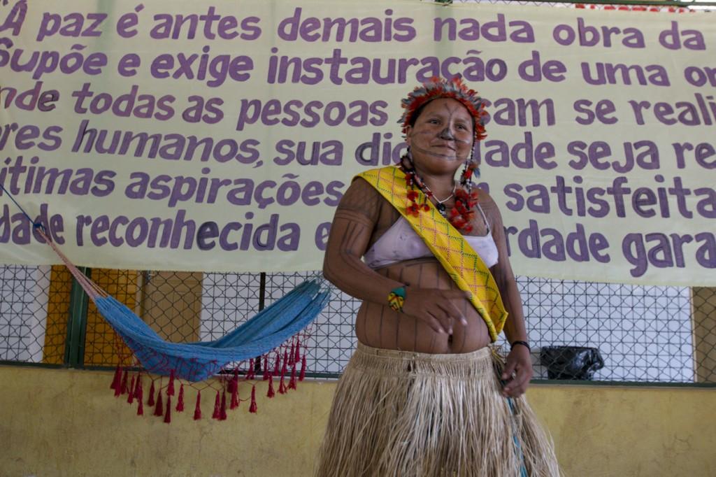 Maria Leusa Munduruku na Caravana em Defesa do Rio Tapajós, em Itaituba (PA). (Foto: Ana Mendes/Amazônia Real)