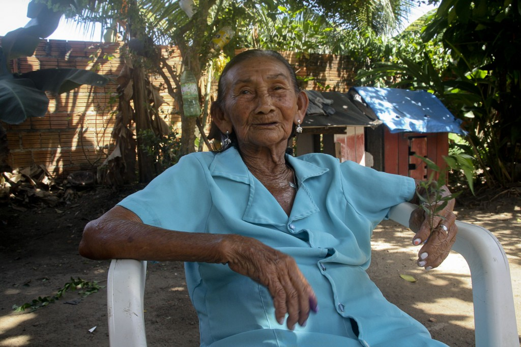Dona Nilce Aporcino, benzedeira de Parintins (Foto: Floriano Lins)