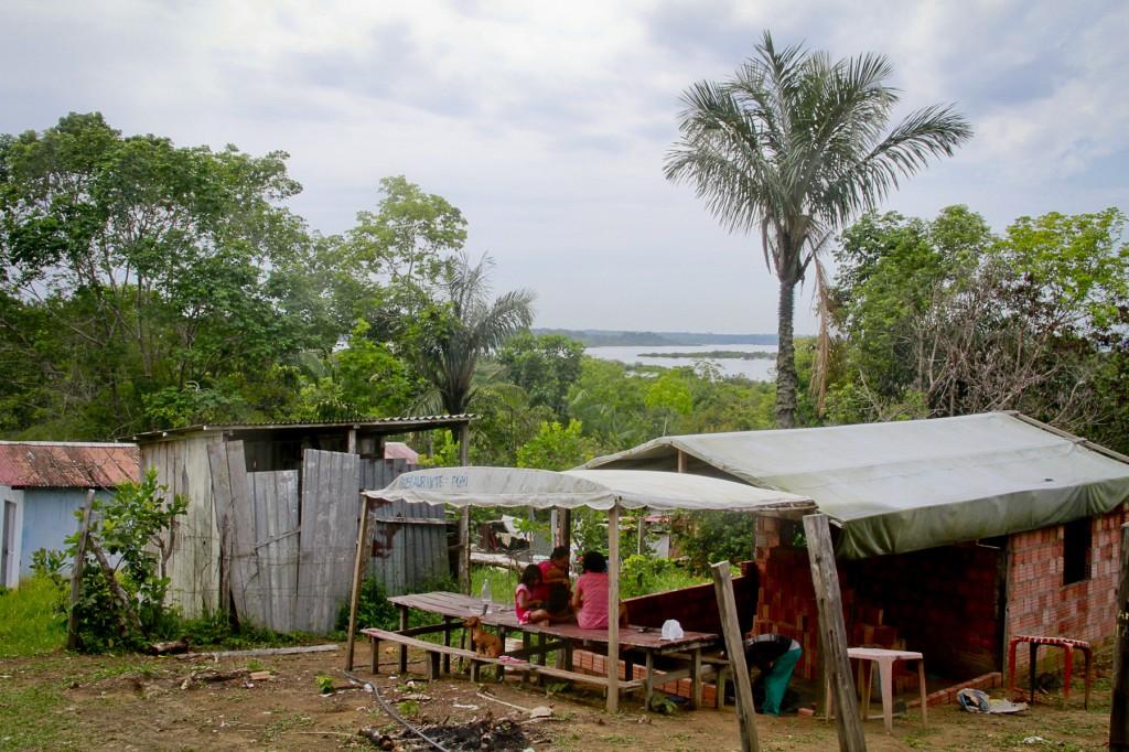 População tradicional da comunidade do Livramento, na reserva do Tupé. (Foto: Alberto César Araújo/Amazônia Real)