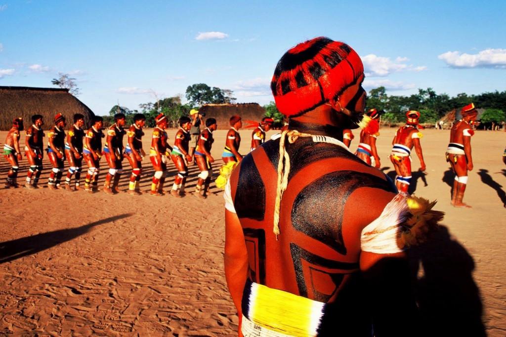 Kuarup, a mais importante festa do Alto Xingu. (Foto: Renato Soares/Imagens do Brasil 2003)