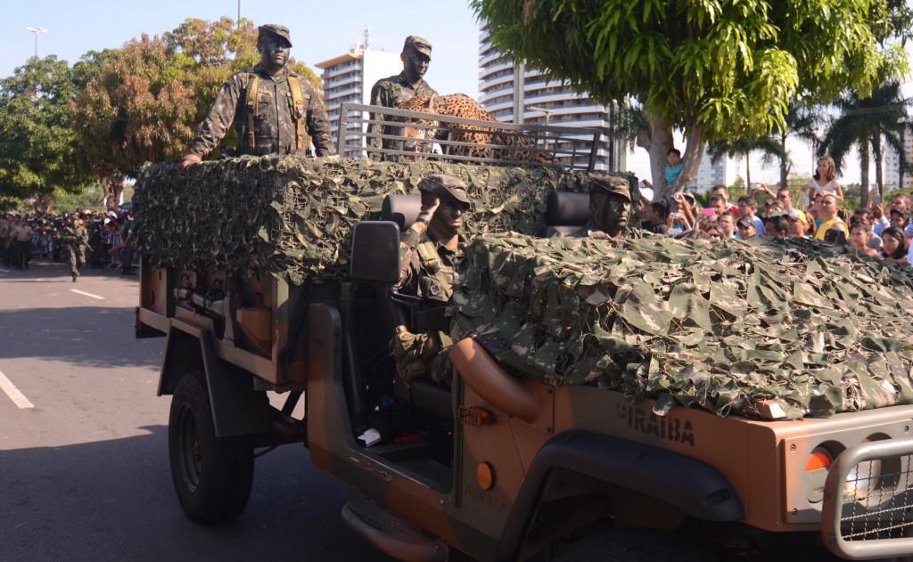 Desfile militar do Dia 7 de Setembo na Praia da Ponta Negra, zona oeste de Manaus (Foto: CMA/2015)