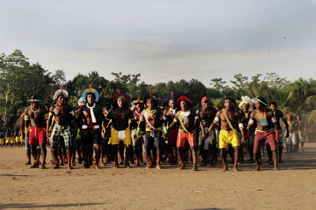 Indígenas participam de Feira de Sementes.
