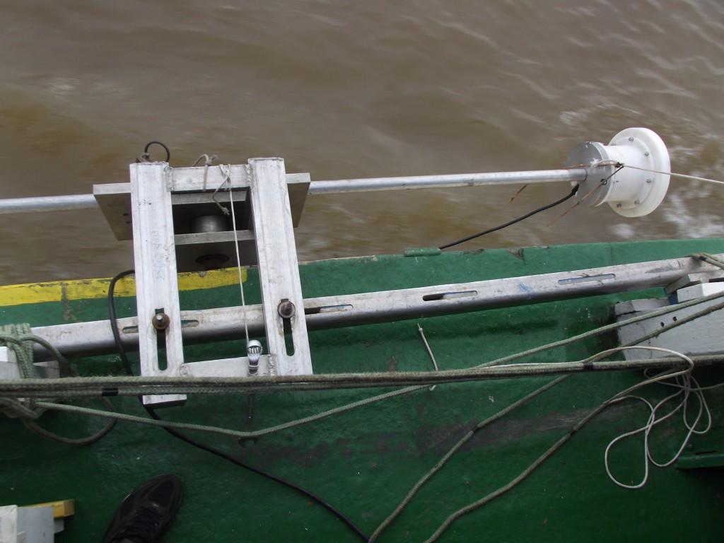 O Equipamento ADCP é usado pelo Serviço Geológico Brasileiro (CPRM) de Manaus para monitoramento de rios  (Foto Fábio Pontes/Amazônia Real)