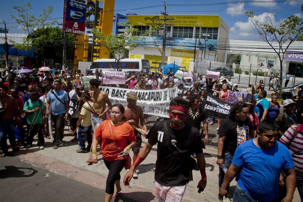Caminhada pelas ruas de Manaus marcou o protesto (Foto: Alberto César Araújo/Amaazônia Real)