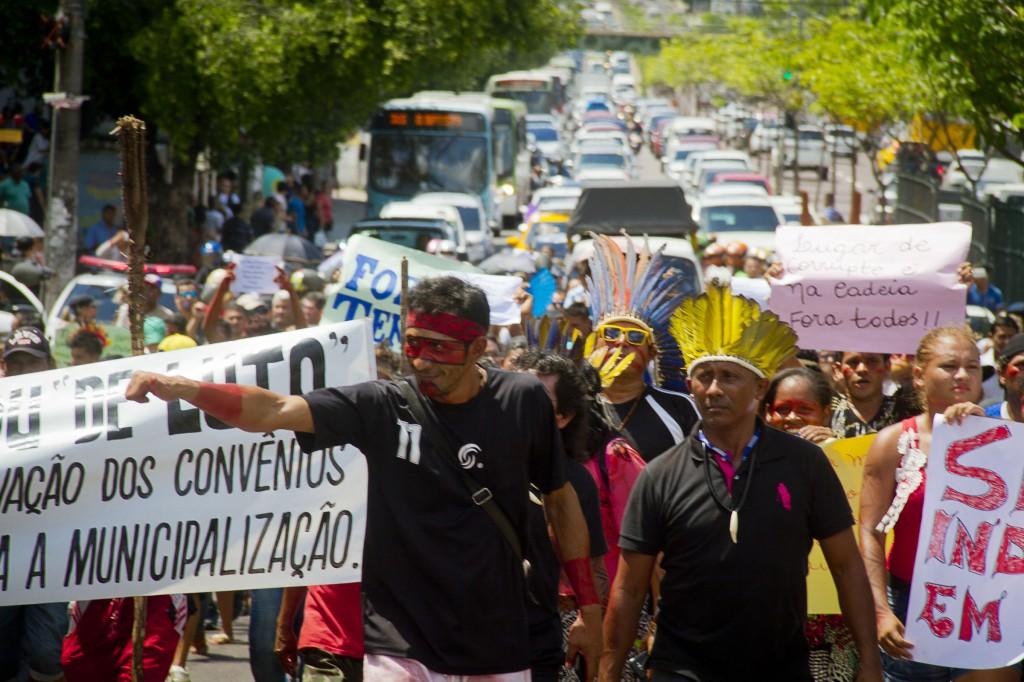 Indígenas protestas em Manaus contra medidas do governo Temer em 2016 (Foto: Alberto César Araújo/Amazônia Real)