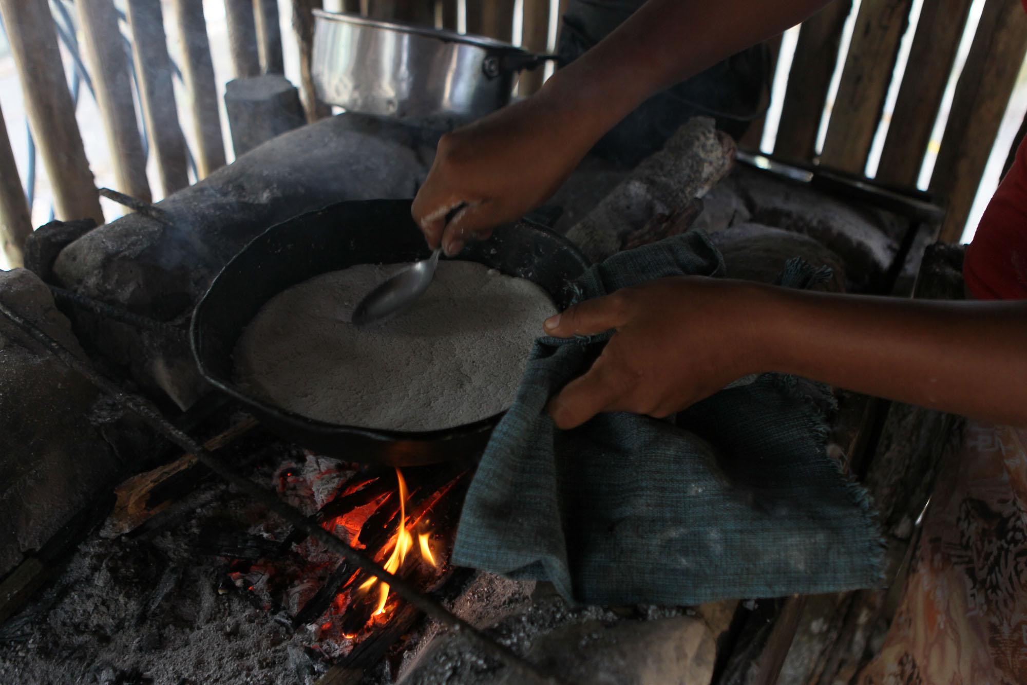 Sobre as caçadas Sateré-Mawé – Parte 4: Cozimento