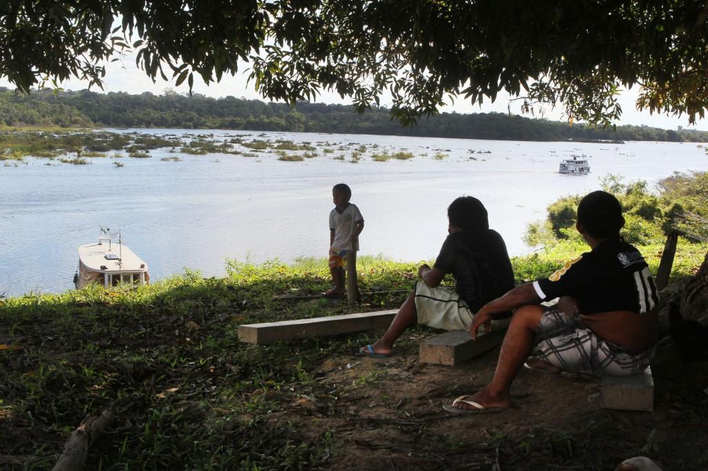 Vista do rio Andirá, na Ti Andirá Marau (Foto: Danilo Melo/FotoAmazonas)