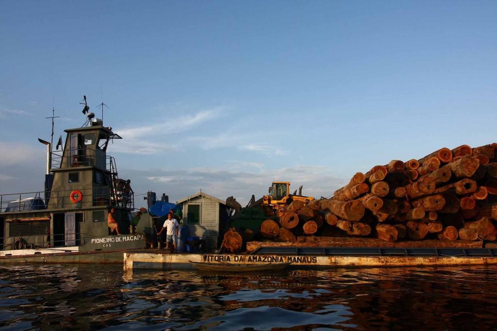 Comunidade ribeirinha da Resex Arapiuns no rio Tapajós (Foto: Alberto César Araújo/Greenpeace/2009)