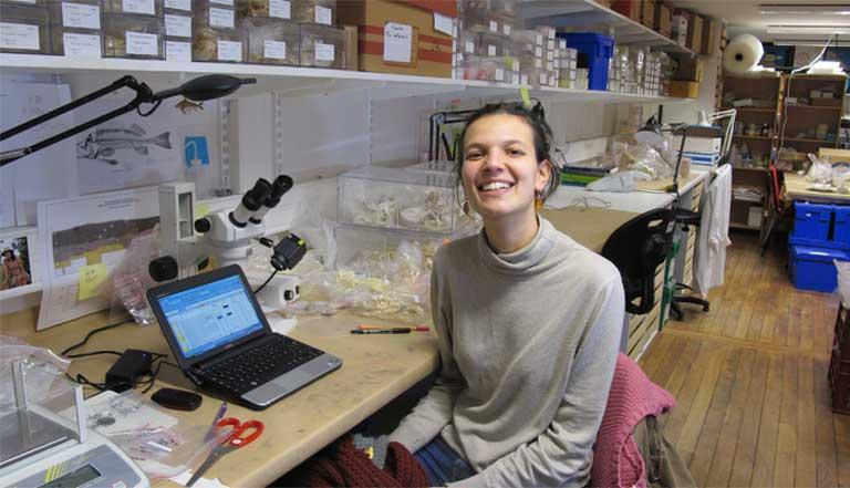 A arqueóloga Gabriela Prestes Carneiro (Foto arquivo/Mongabay)