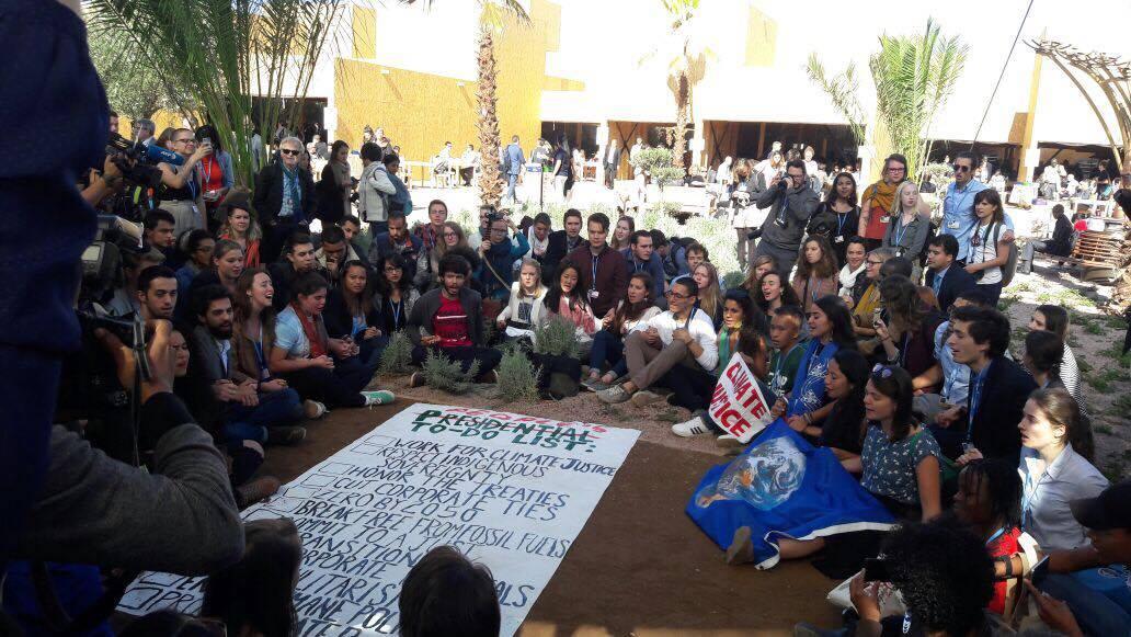 Em protesto na COP22, ativistas dizem que Trump não está comprometido com os povos