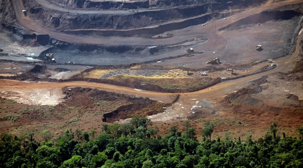 Exploração de minério de ferro da Vale na Serra de Carajás (Foto: Daniel Beltra/Greenpeace)