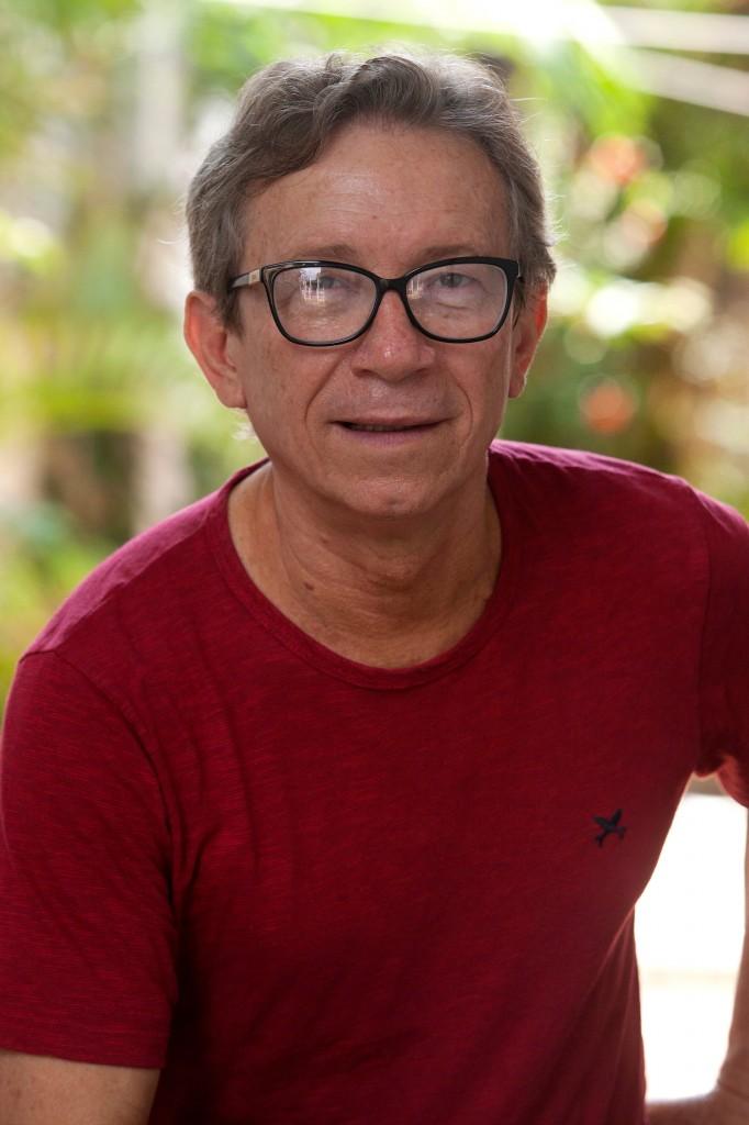 Lúcio Flávio Pinto, posa durante sessão de fotos em Belém (PA). (Foto: Paulo Santos/Amazônia Real)