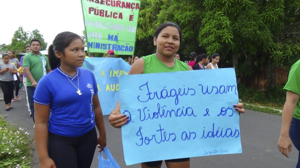 Manigestão em São Gabriel da Cachoeira no dia 11/11 contra os crimes e falta de investigação. (Fotos: Ray Baniwa/Foirn)