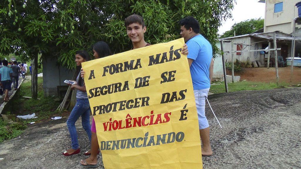 População de São Gabriel da Cachoeira foi para as ruas no dia 11/11, para manifestar insatisfação contra a impunidade. (Fotos: Ray Baniwa/Foirn)
