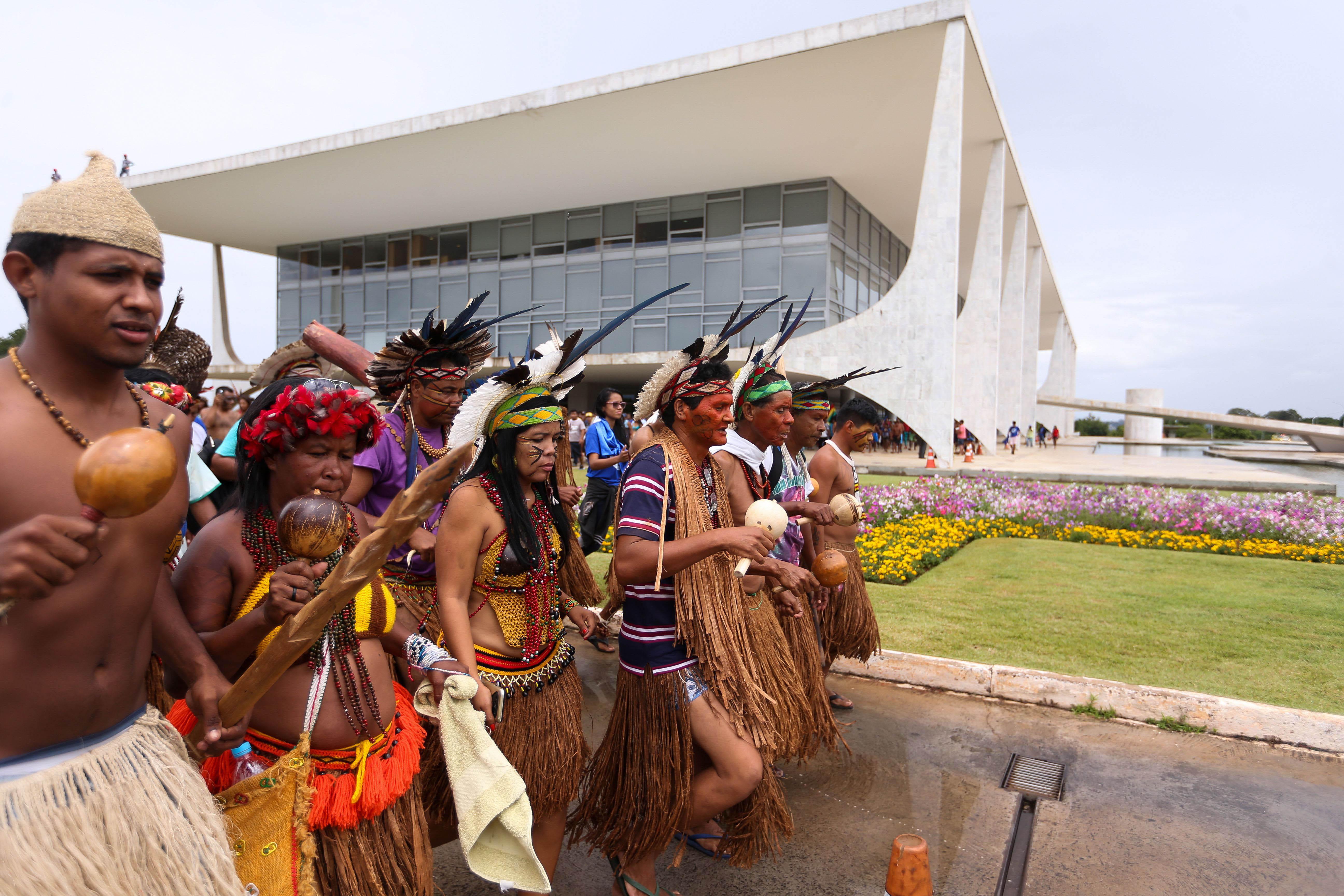 Manifestação em frente ao Palácio do Planalto (Marcelo Camargo/Agência Brasil)