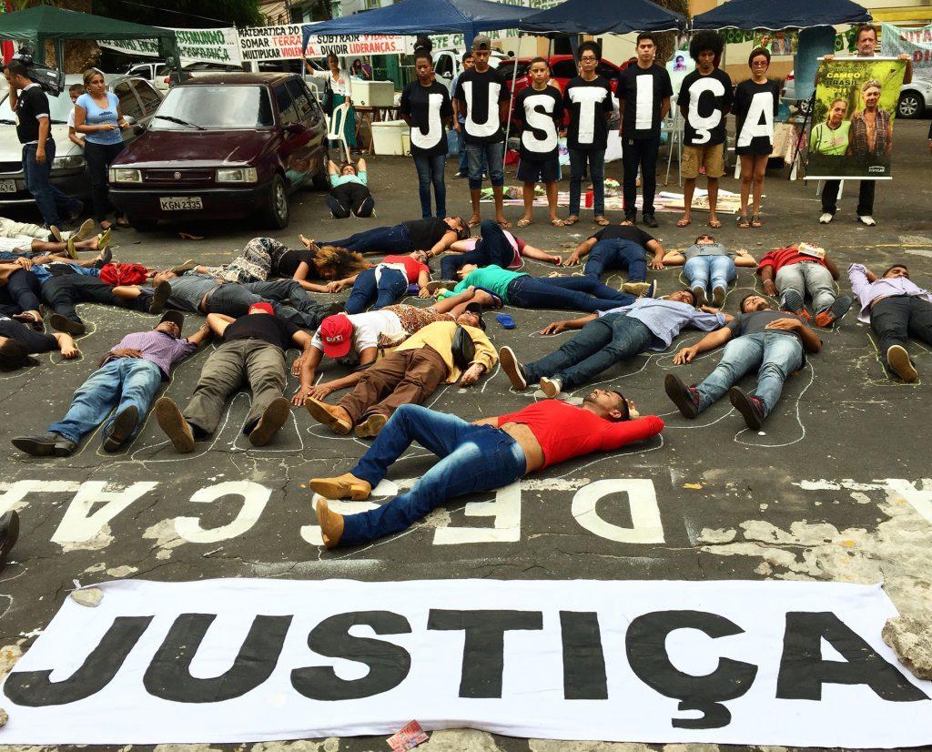 Manifestantes protestam em Belém (Foto cedida por Felipe Milanez)