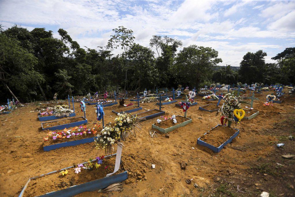Cemitério Parque Tarumã, onde estão enterrados os dententos mortos no massacre do Compaj (Marcelo Camargo/ABr)