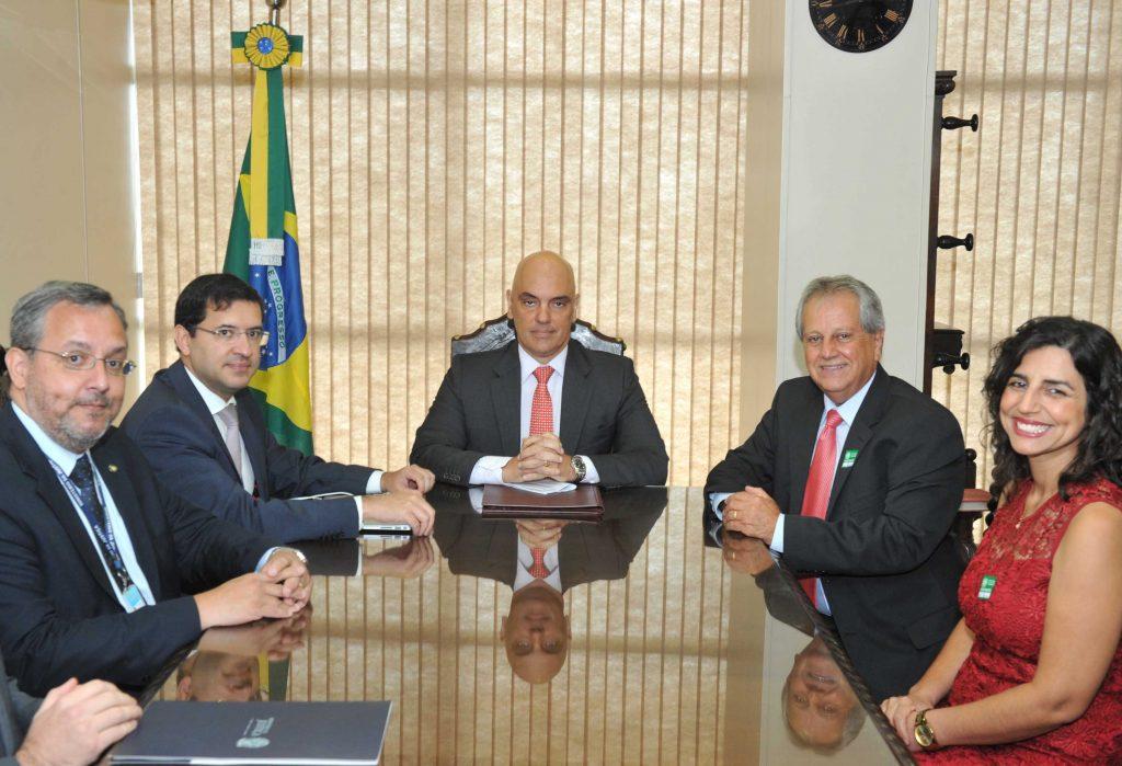 O Ministro da Justiça Alexandre Moraes durante a posse do presidente da Funai, Antônio Costa, do PSC. (Foto: Isaac Amorim/MJC)