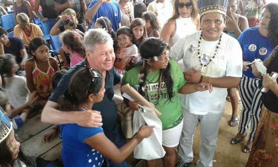 Durante as eleições, o prefeito Arthur Virgílio Neto fez promessas de regularizar terreno (Foto: Reprodução Facebook / Parque das Tribos)