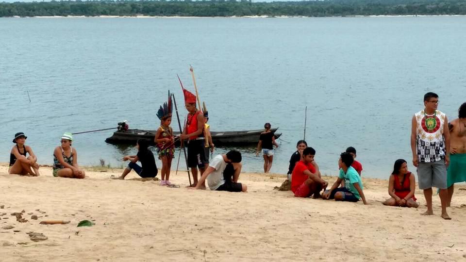 Povos Indígenas do Baixo Tapajós reunidos na aldeia Aningalzinho (Foto: CGI/Facebook)