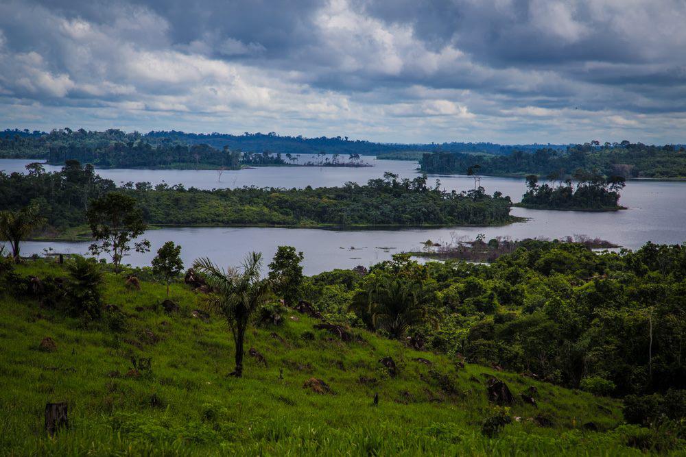 Inundação na Volta Grande do Xingu, região afetada pela obra de Belo Monte (Foto: Todd Southgate)