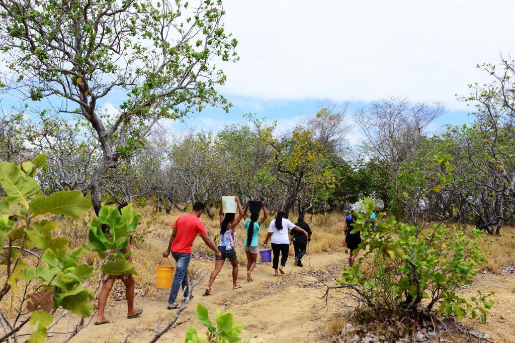 Comunidade o Anzol na região do rio Murupu fica sem água na seca (Foto: Jorge Macêdo/Amazônia Real)