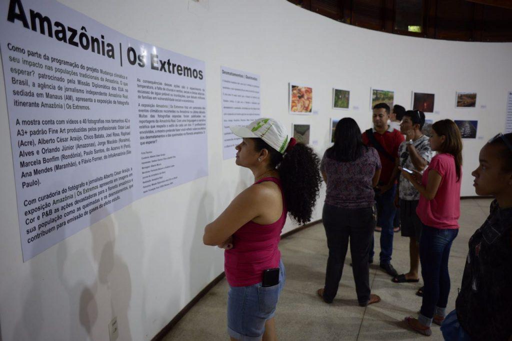 Exposição de fotografia Amazônia   Os Extremos, realizada pela Agência de Jornalismo Independente Amazônia Real, começou no domingo (9) e vai até 7 de maio no Paiol da Cultura do Bosque da Ciência do INPA, na zona sul de Manaus (Foto: Raphael Alvesl)