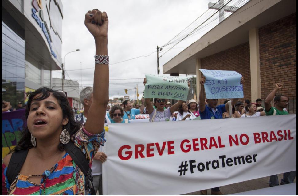 Brasileiros protestaram contra o governo Temer (Foto: Fospa Peru)