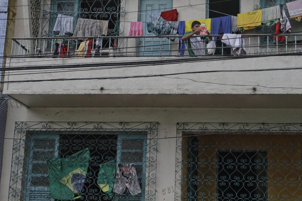 Grupo de índios Warao vindos da Venezuela está abrigado em prédio no centro de Manaus. (Foto: Alberto César Araújo/Amazônia Real)