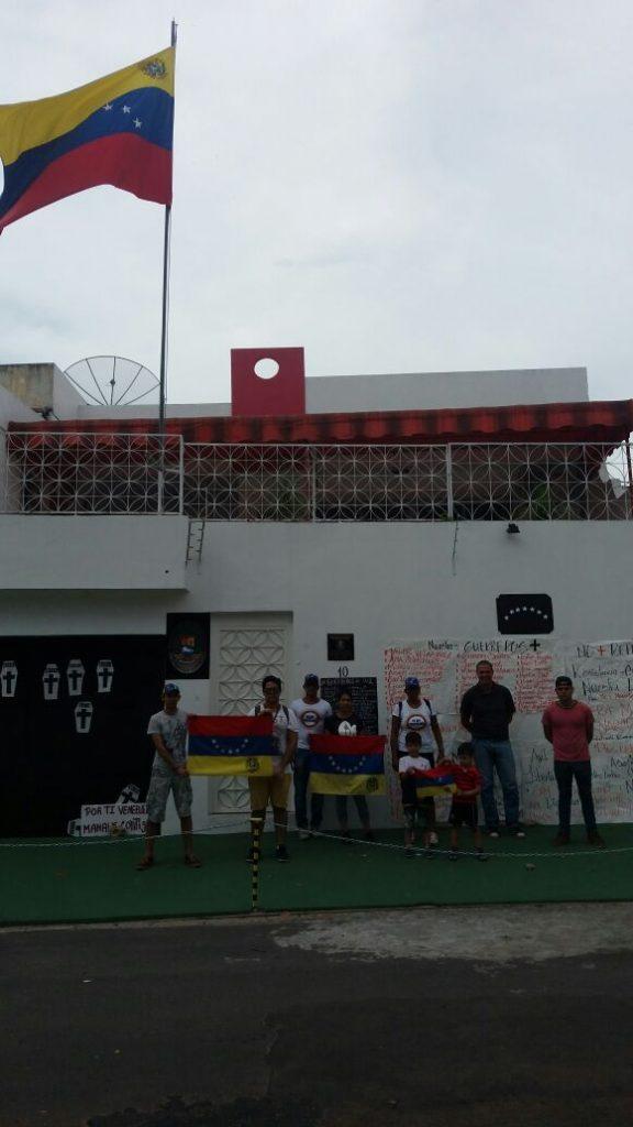 Protesto contra o governo Maduro e violência na Venezuela (Foto: Síntia Maciel/Amazônia Real)