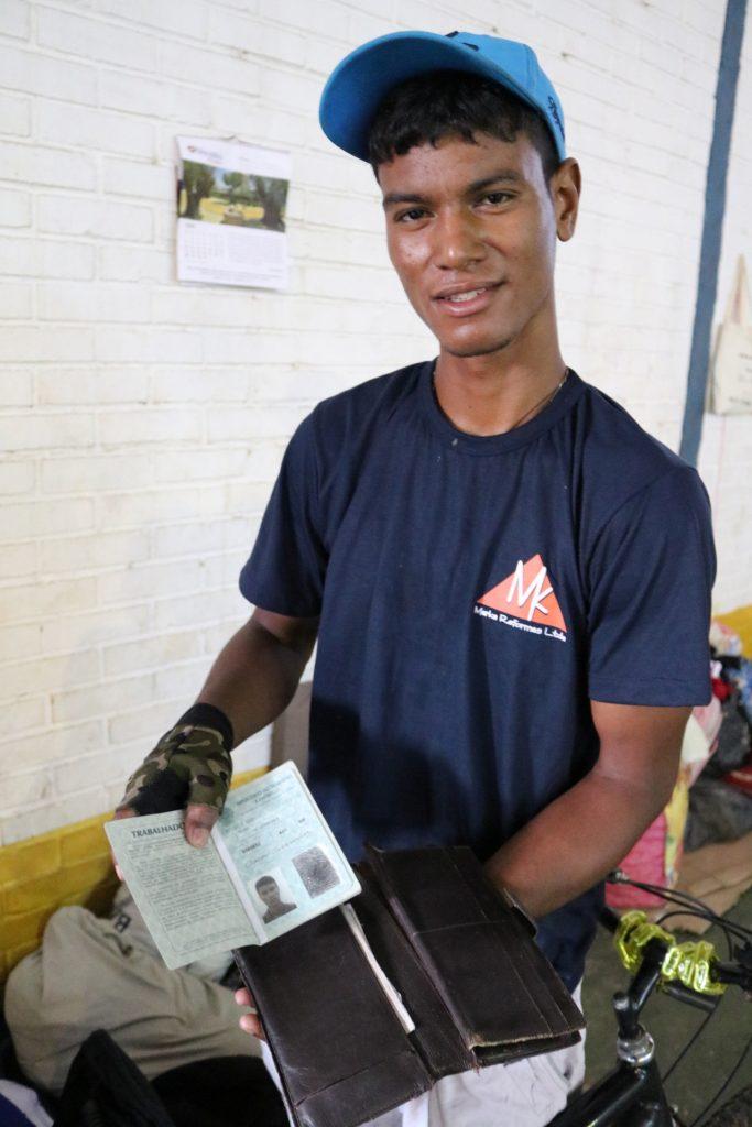 O venezuelano não indígena Oscar Gonzalesé um dos abrigados em Boa Vista (Foto: Vandré Fonseca/Amazônia Real