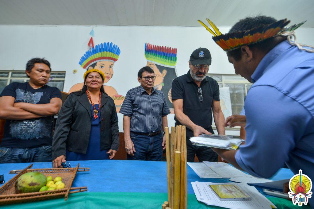Reunião no Conselho Indígena de Roraima (Foto:  Mário Vilela/Funai)