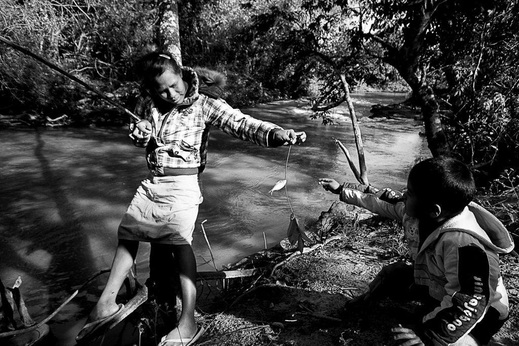 Os Guarani Kaiowá na Terra Indígena Guyraroká no Mato Grosso do Sul (Ana Mendes/Amazônia Real)