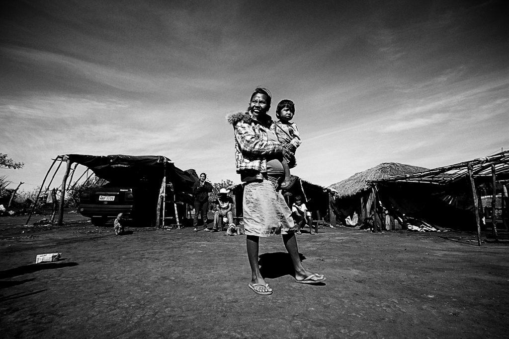Os Guarani Kaiowá na Terra Indígena Guyraroká no Mato Grosso do Sul (Foto: Ana Mendes/Amazônia Real)