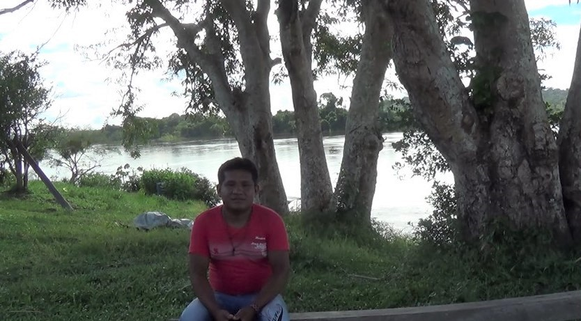 "Eliano Waro Munduruku conta que hoje vê ""jacaré morto"", no rio Teles Pires"